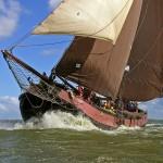 Zeilend op het IJsselmeer, foto: Hajo Olij